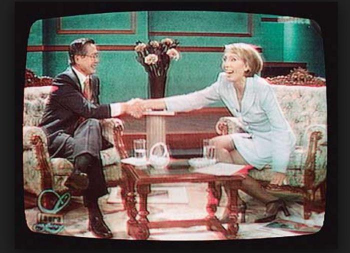 La televisión como lavadora de escrúpulos. Imagen vía YouTube