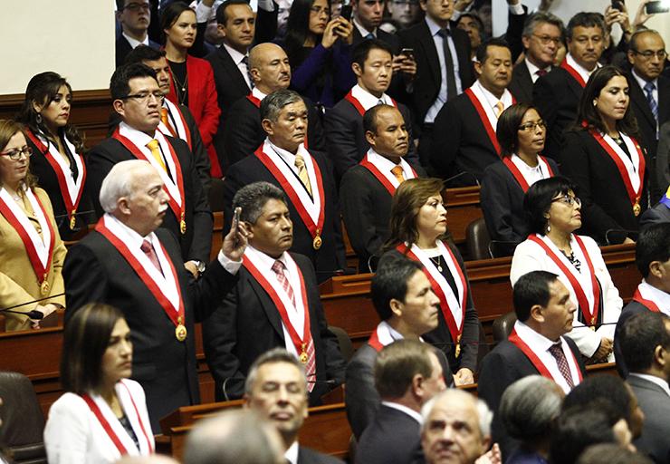 ¿Crees que estos congresistas tomen en cuenta la opinión de Eduardo Vega? :( Imagen: Exitosa Noticias.