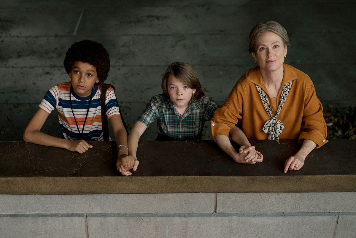 Jaden Michael, Oakes Fegley, and Julianne Moore in WonderStruck Jaden Michael, Oakes Fegley, and Julianne Moore in WONDERSTRUCK Photo credit: Mary Cybulski Courtesy of Amazon Studios and Roadside Attractions Download