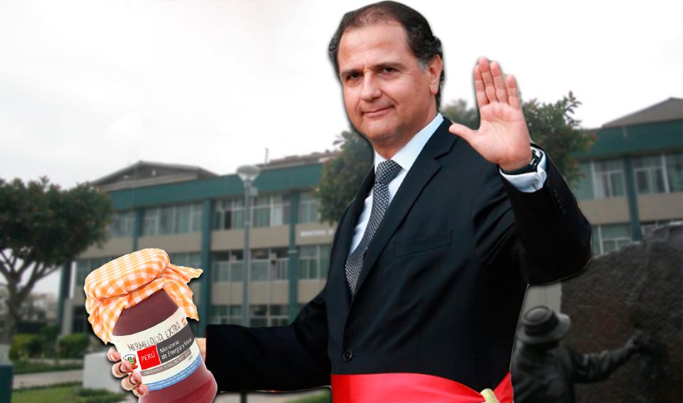Ministro, qué lleva en la mano, ¿qué es eso? MinistDDLKDGDGÑDLG  Imagen: Útero.Pe