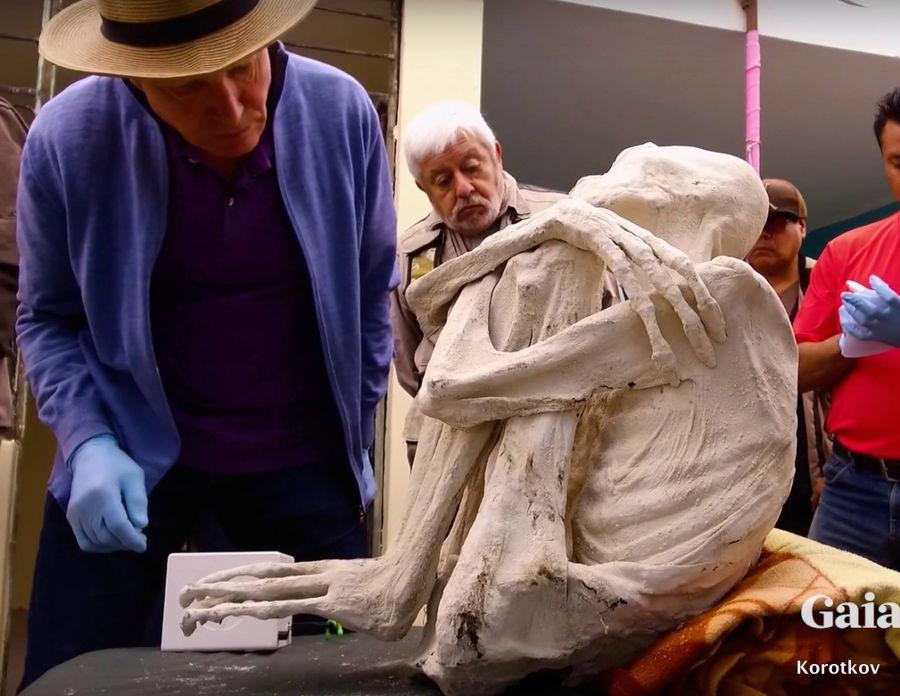 Aparición de Konstantin Korotkov en la serie Unearthing Nazca de Gaia. Fuente: https://bit.ly/2vg0VT1