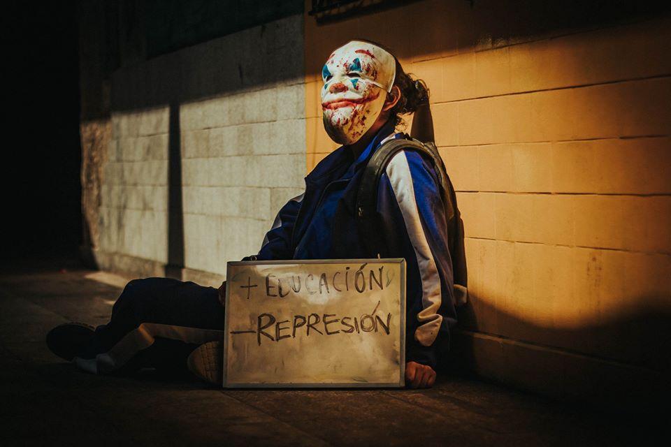 Más educación, menos represión. Foto: Luis Javier Maguiña/Centro Federado de Estudios Generales Letras